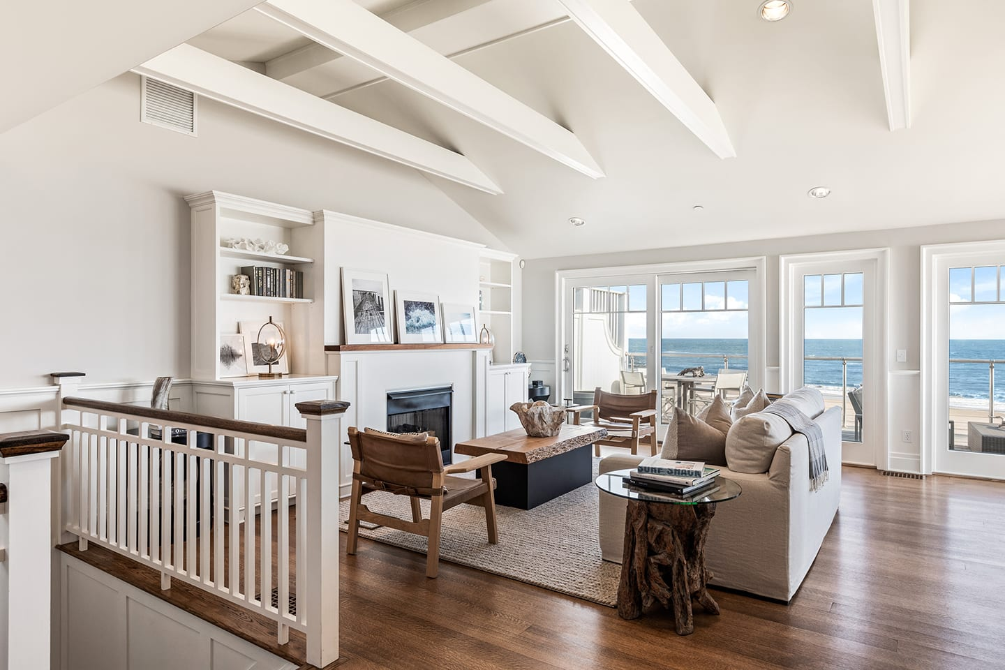 Salt Sea 9 Living Room with porch access and ocean views